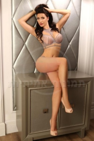 Escort: Anastasia Photo 3