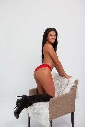 Escort: Karina Photo 4