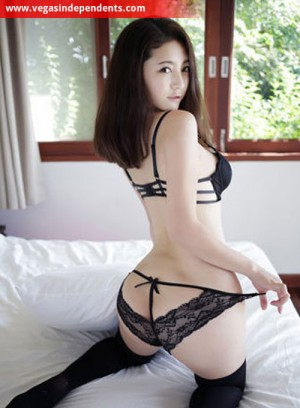 Escort: Katchi Photo 2