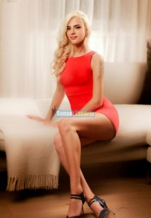 Escort: Avianka Photo 1