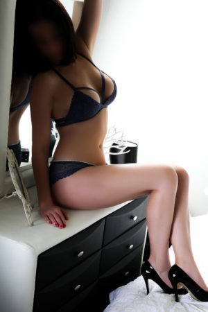 Escort: Deniz Photo 1
