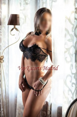 Escort: Mia Photo 2
