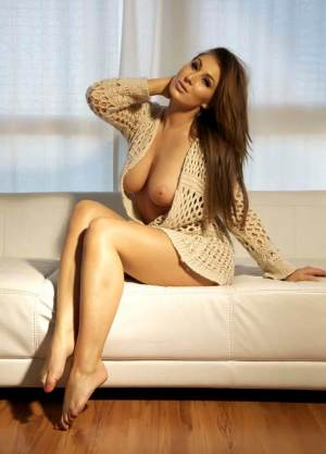 Escort: Karina Photo 2
