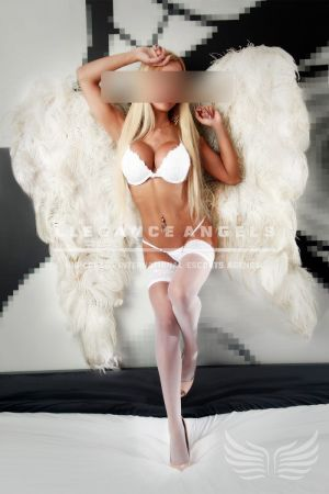 Escort: Desy Photo 2