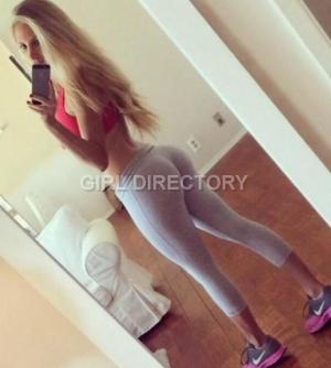 Escort: Kissable Kimmy Photo 2