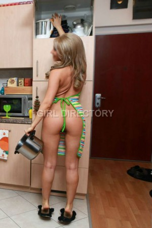 Escort: Hothousewives Photo 5
