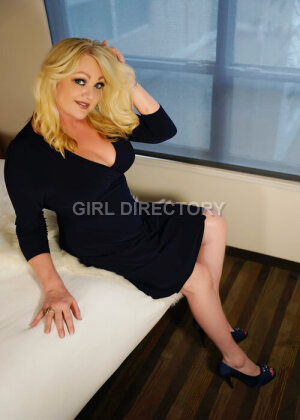 Escort: Sonia Styles Photo 6