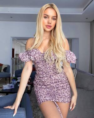 Escort: Dayna Photo 10